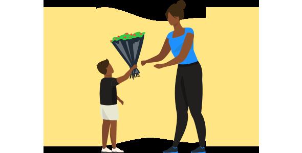 Filho presenteando a mãe com buque de flores daqueles que souberam  o que fazer para vender no Dia das Mães.