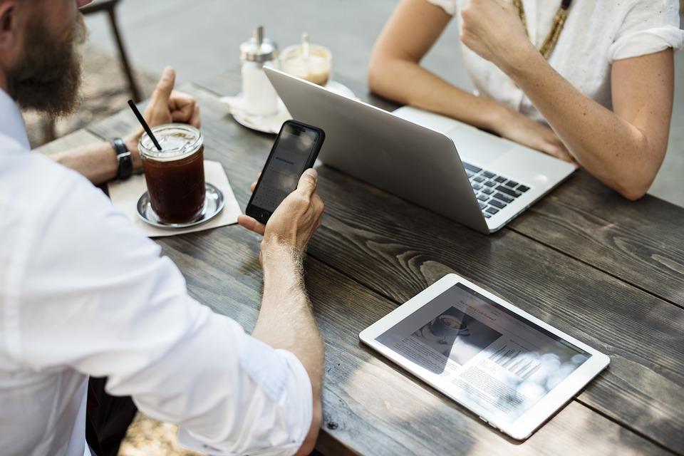 O e-mail marketing sendo utilizado como estratégia de retenção de clientes..